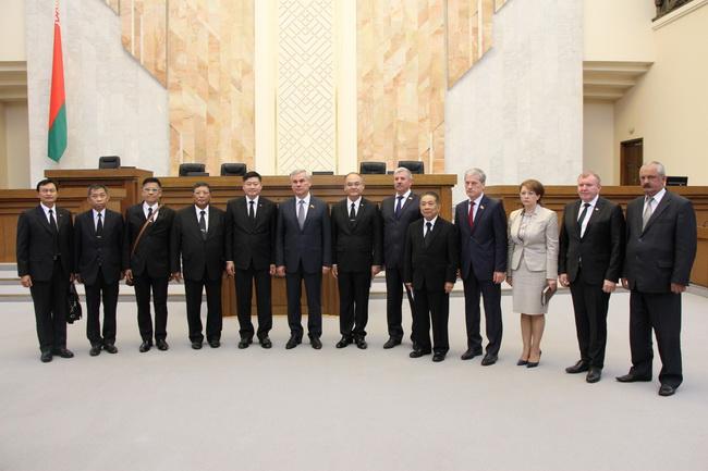 На международной встрече с с таиландской парламентской делегацией